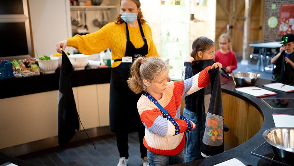 Kinderen op klasuitstap naar 't Grom in Mechelen