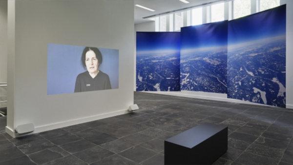 zaal met werk van Meggy Rustamova