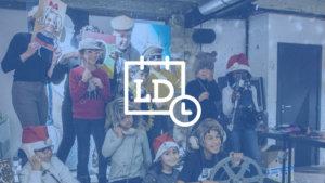 jongeren poseren bij filmworkshop