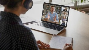 Leraar in een online meeting