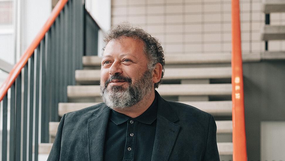 Portret directeur Dirk Bicker