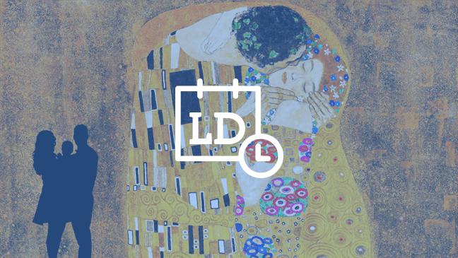 Gezin bij werk van Gustav Klimt