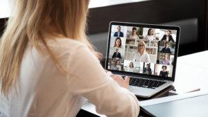 leraar in online vergadering
