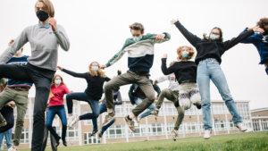 Leerlingen maken sfeer op school