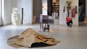 beeld op de expo 'textilités'
