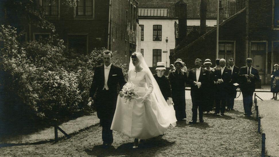 Oude foto van een huwelijk