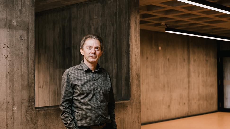 Onderzoeker Kris Van den Branden (Centrum Taal en Onderwijs, KU Leuven)