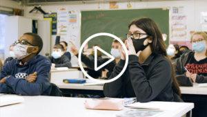 Screenshot uit de video over '3 ex-OKAN-leerlingen'